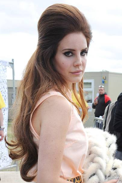 lana del rey bouffant hair tutorial